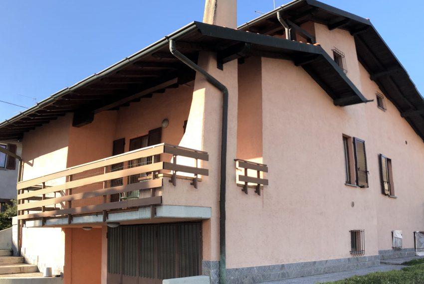 retro villa singola con accesso box e terrazzo con BBQ