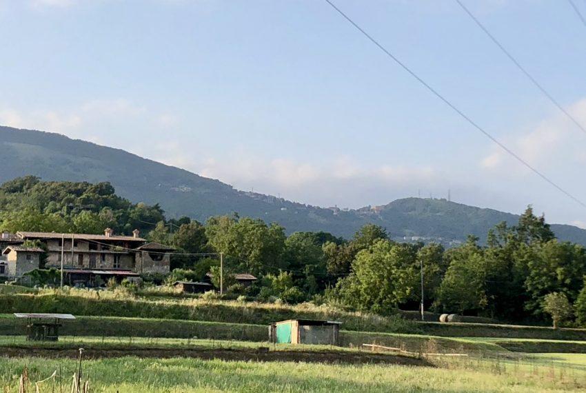 villa schiera Palazzago immersa nel verde delle colline