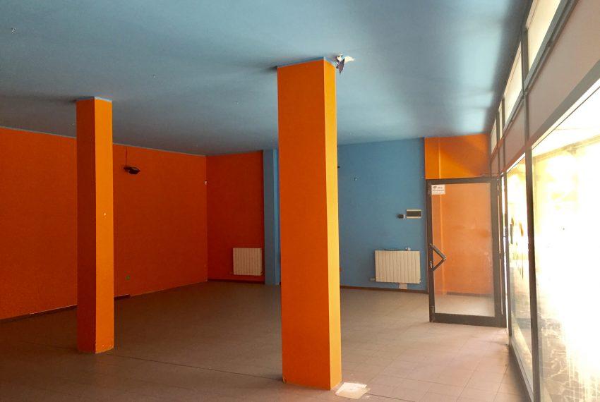 interno negozio in vendita a prezzo affare in Agrate Brianza