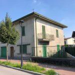 Ideale per due famiglie disponibile casa indipendente a Molteno