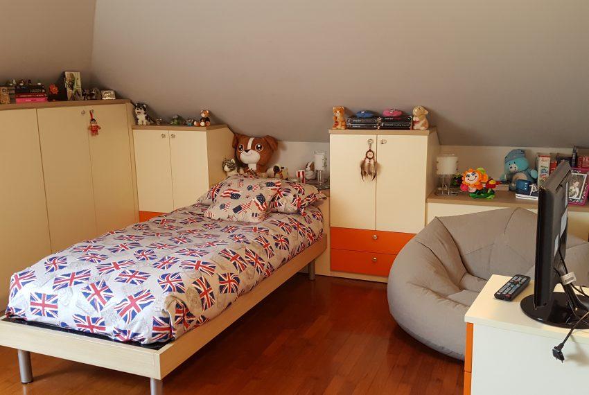appartamento quadrilocale mariano comense camera ragazzi mansarda