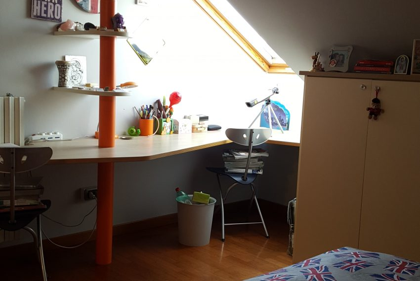 appartamento attico mariano comense camera ragazzi mansardata