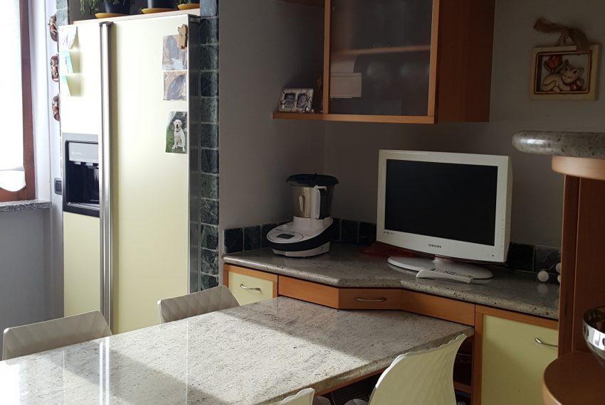 appartamento qudrilocale attico mariano comense cucina abitabile