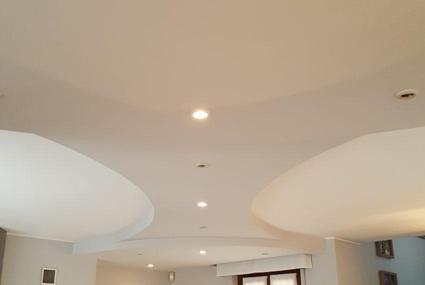 appartamento attico mariano comense soffitto con faretti ad incasso