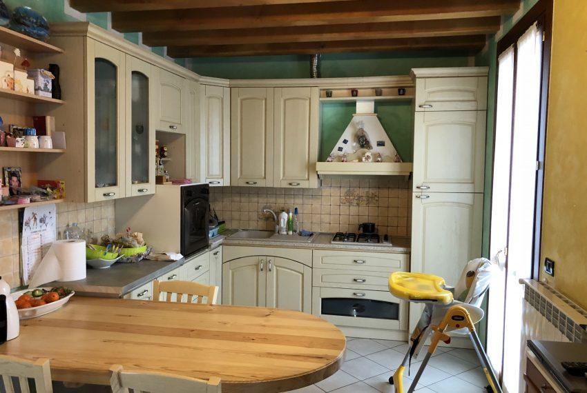 cucina abitabile piano primo villa