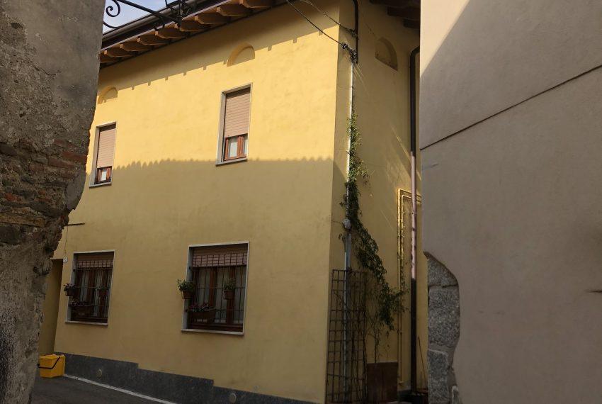 appartamento trilocale santa maria hoè vista esterna palazzina