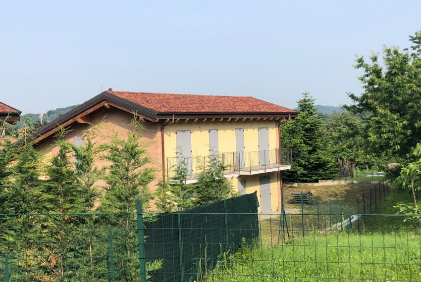 villa a Calco facciata sul retro