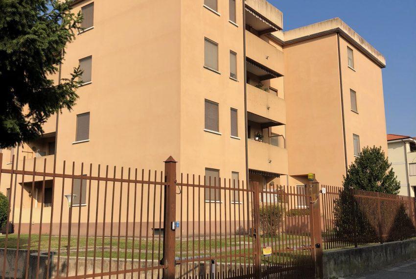 appartamento trilocale in Cornate d'Adda palazzina