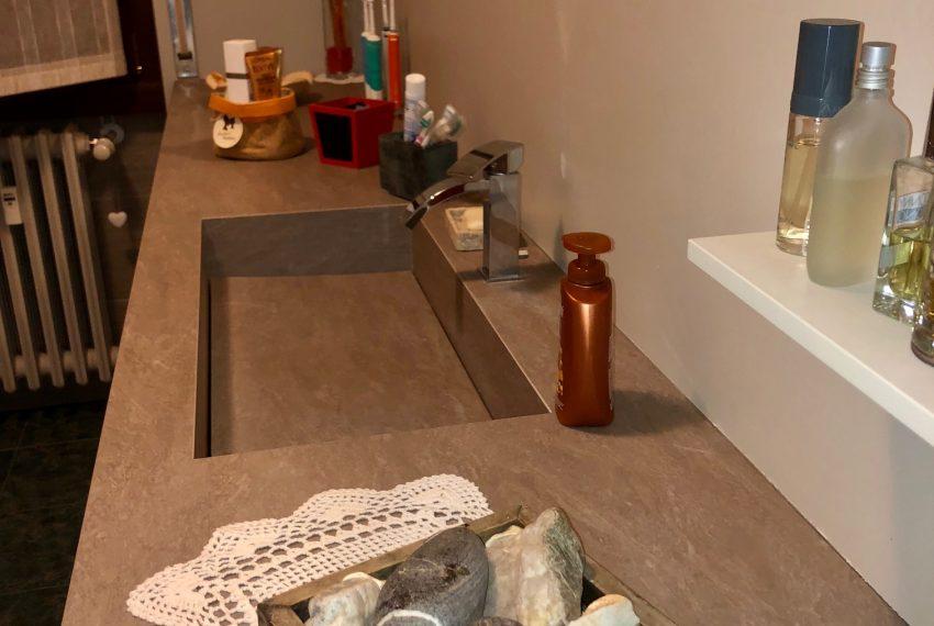 appartamento trilocale cornate d'adda mobile bagno