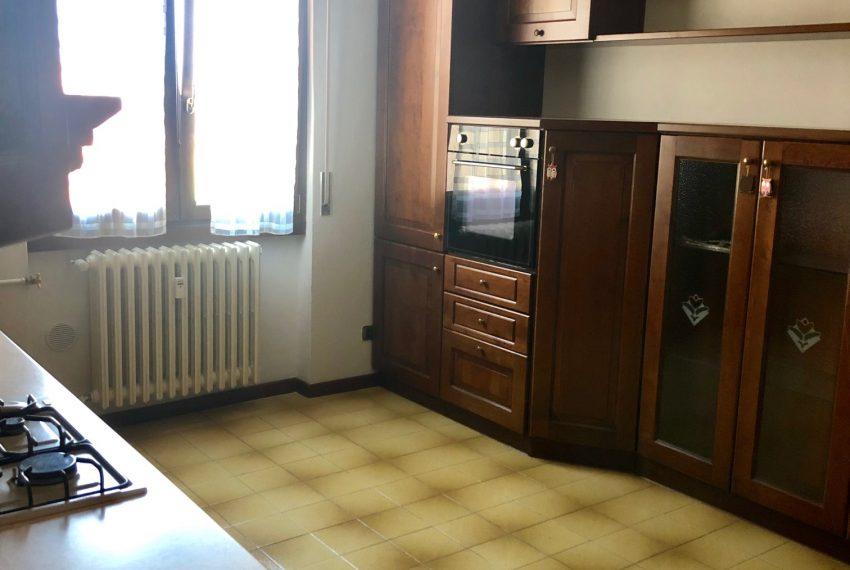 cucina abitabile dettaglio parete attrezzata