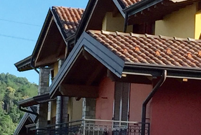 bilocale a palazzago gromlongo dettaglio esterni appartamenti mansardati