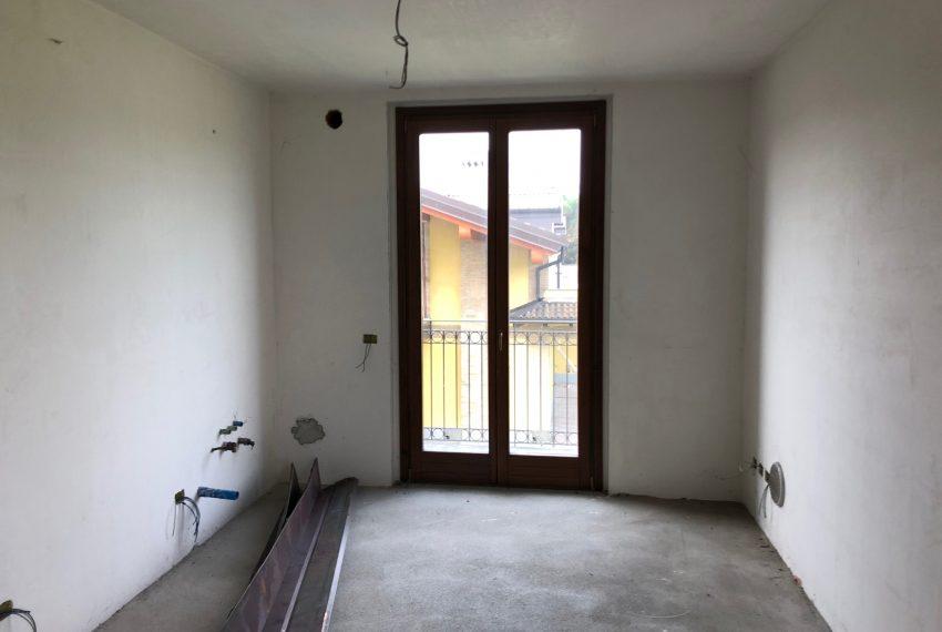 appartamento quadrilocale in inverigo angolo cottura con balcone