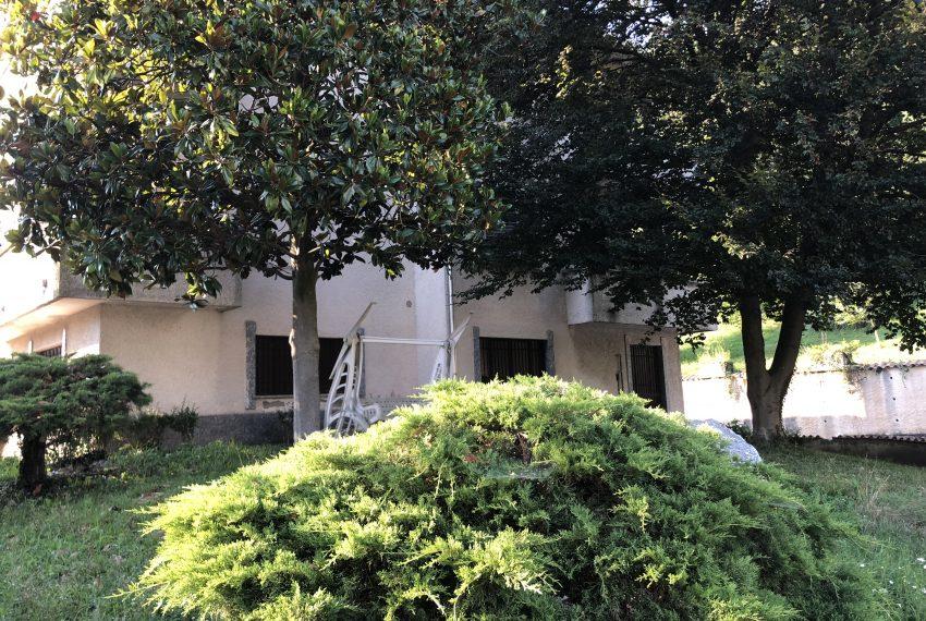 Castello brianza quadrilocale esterno giardino condominiale