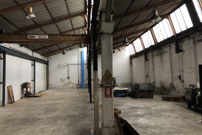 capannone in affitto in Olgiate Molgora vista interna