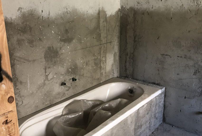 trilocale Mariano Comense bagno con vasca