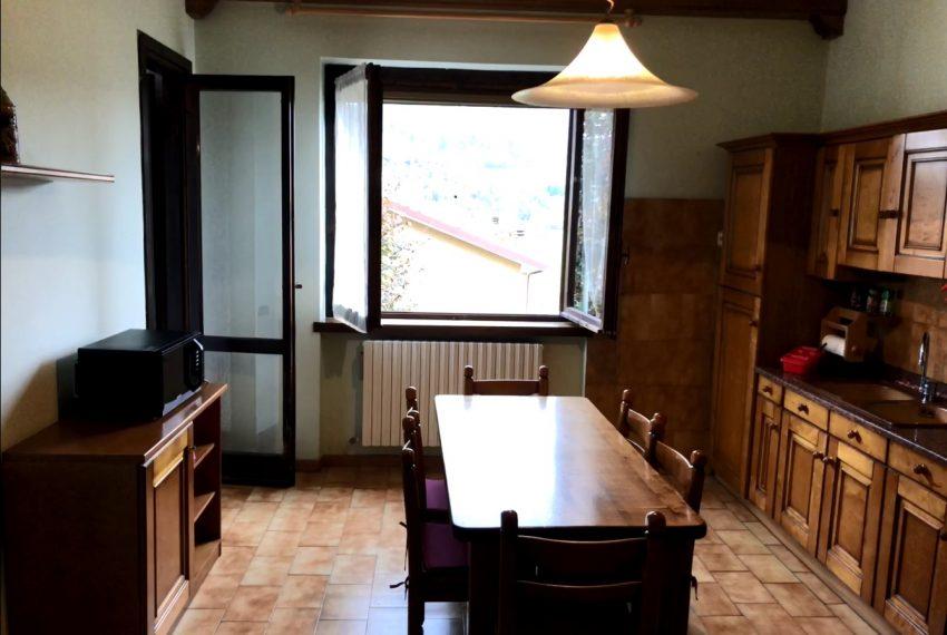 castello brianza quadrilocale ampia cucina abitabile
