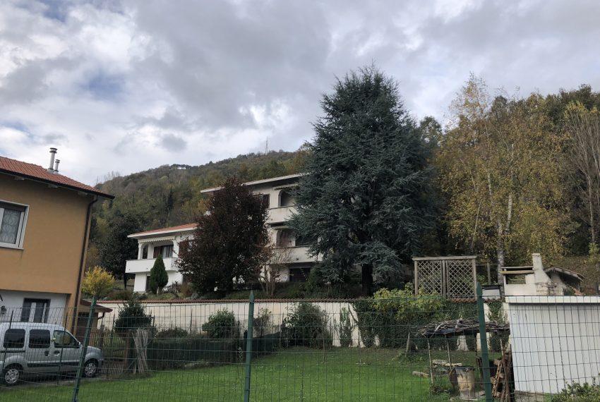 panoramica palazzina Castello Brianza quadrilocale