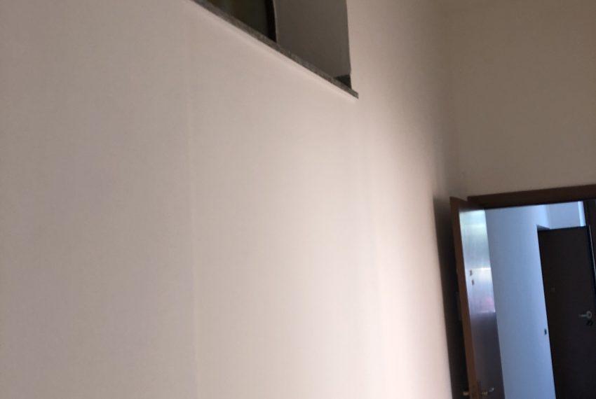 bilocale a Ronco Briantino dettaglio corridoio