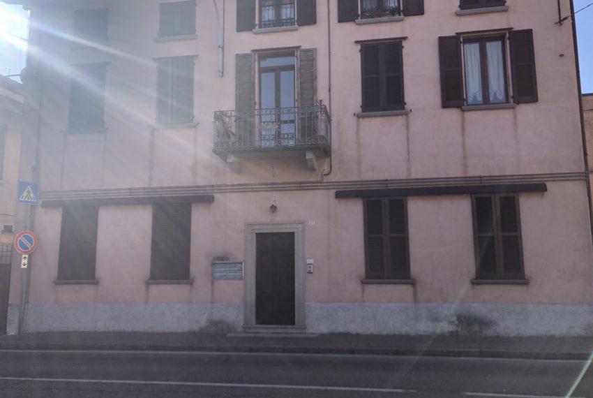 bilocale a Ronco Briantino facciata palazzina