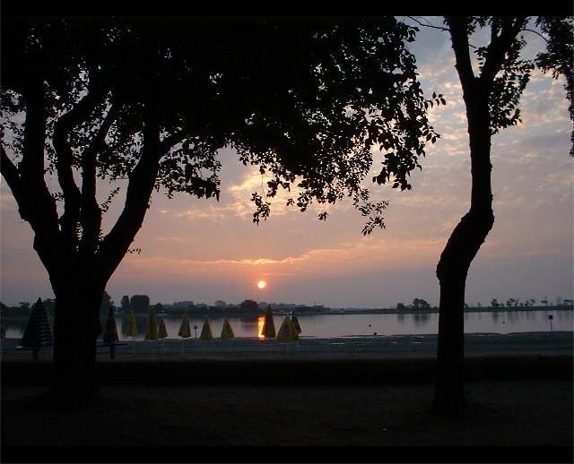 Isola privata in vendita tramonto sulla spiaggia