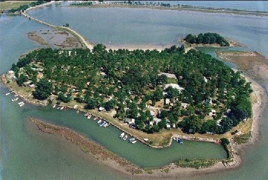 Isola privata in vendita
