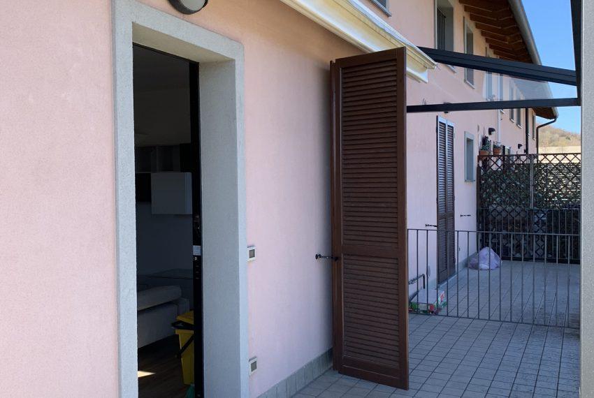 ingresso all'appartamento dal terrazzo vivibile