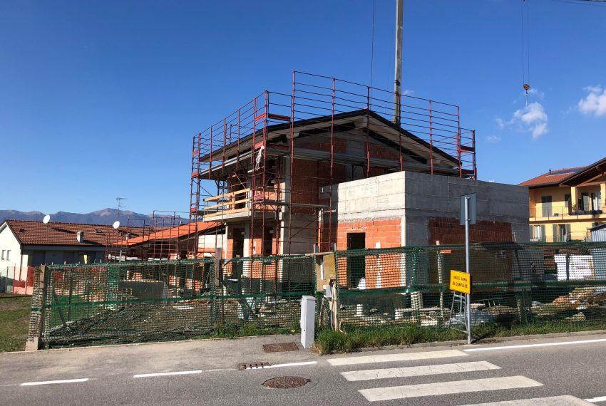 nuova villa indipendente a Dolzago in costruzione