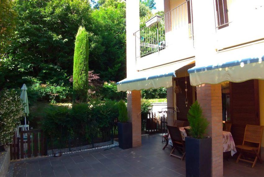 ampio e sfruttabile portico esterno