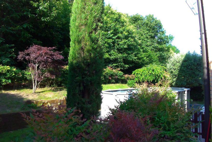 giardino sui tre lati della villa