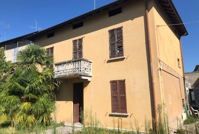 facciata ingresso villa