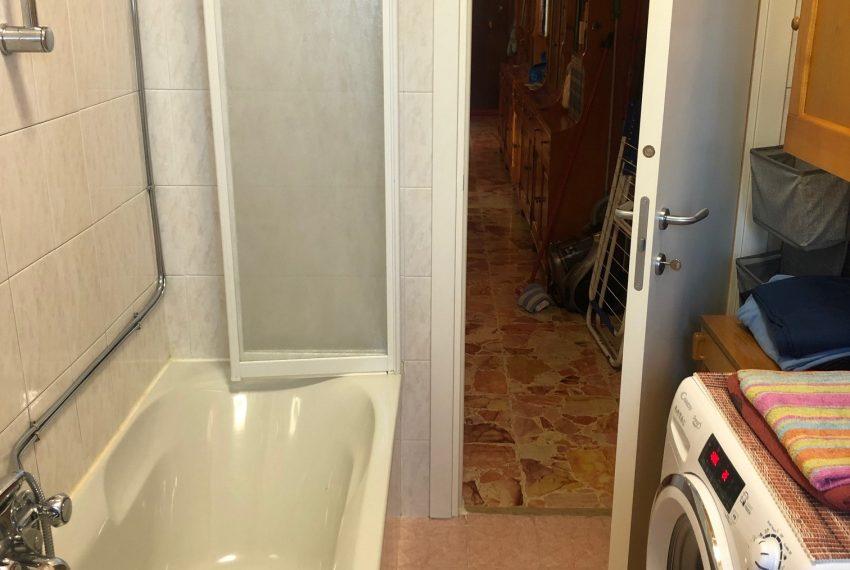 bagno finestrato con vasca