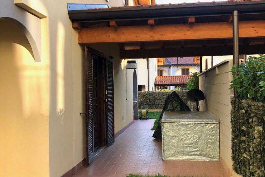 portico laterale