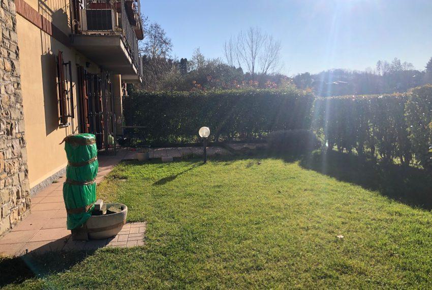 giardino porzione frontale