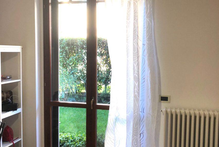 seconda camera con affaccio sul giardino
