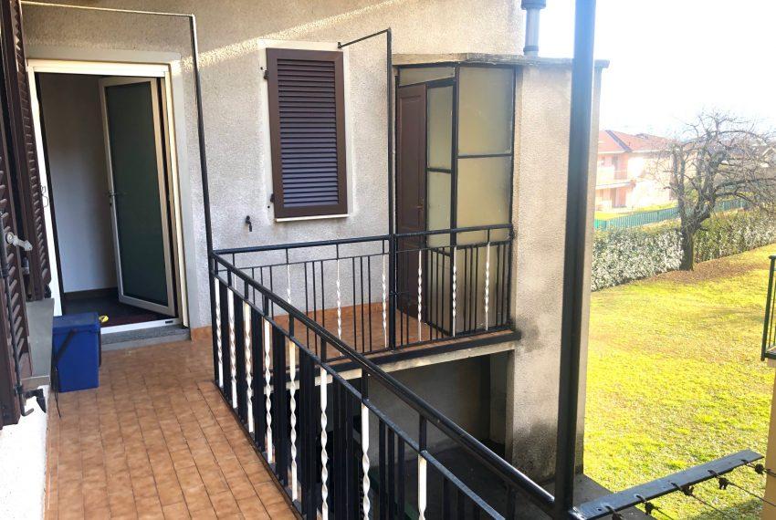 balcone con ripostiglio esterno