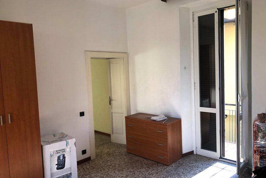 ampia camera con uscita diretta sul balcone