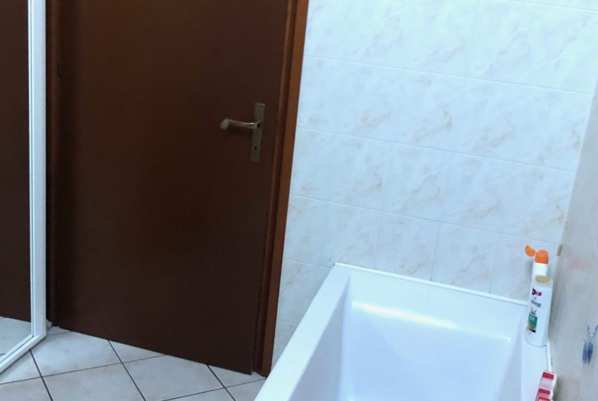 dettagli bagno con vasca