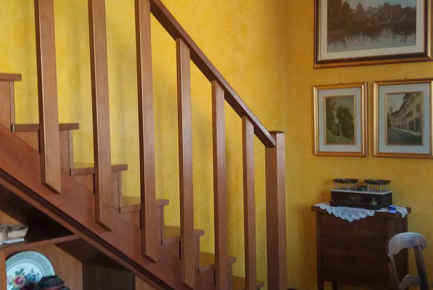scala interna che porta in mansarda