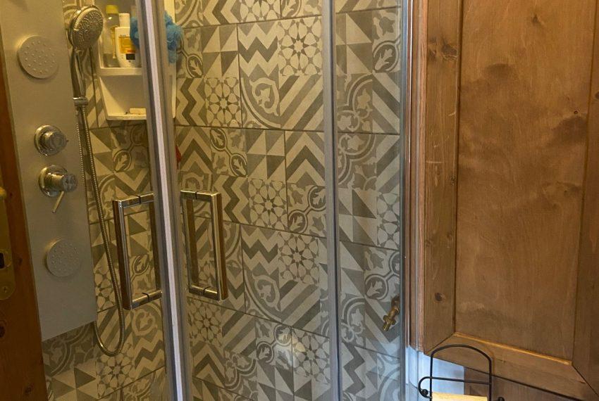 bagno ristrutturato casa indipendente Calco