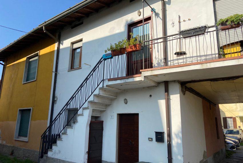 facciata casa indipendente Calco