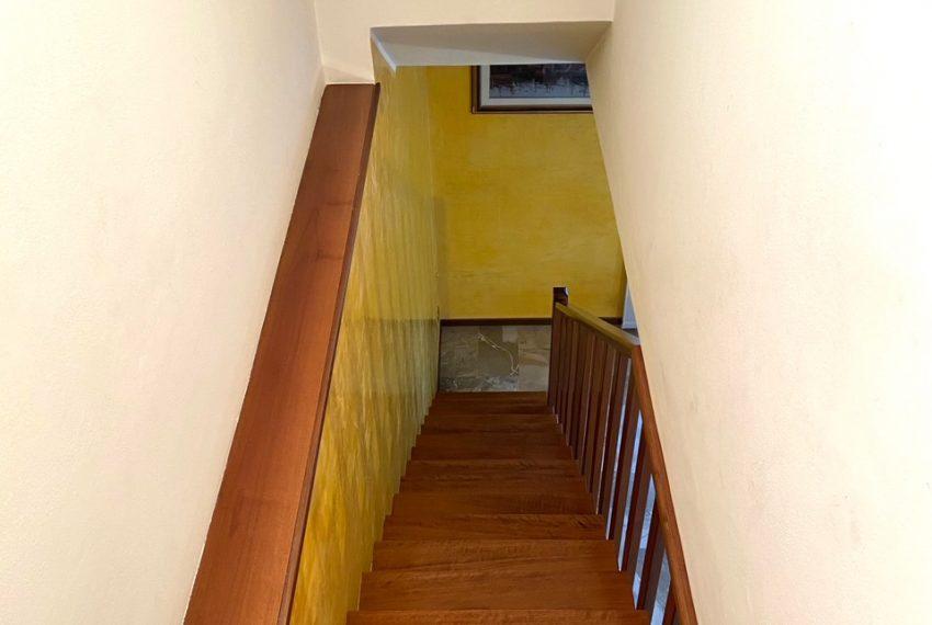 scala che conduce alla mansarda