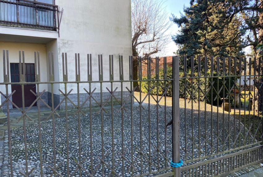 accesso alla villa singola in Caprino Bergamasco