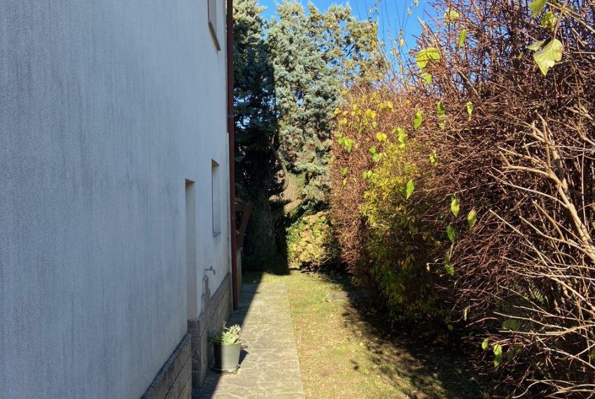 camminamenti in porfido a perimetro della villa