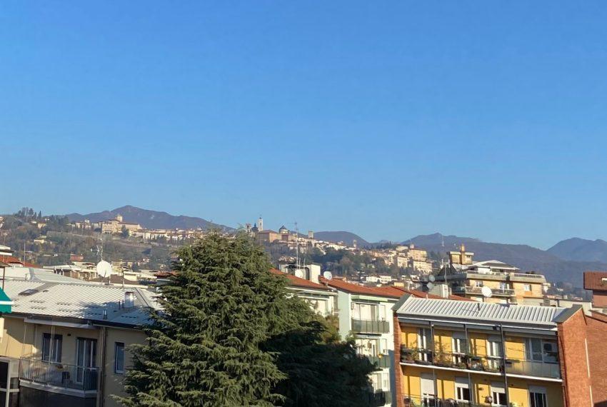 dettaglio della vista su Bergamo Alta