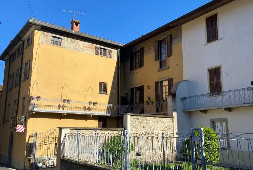 trilocale in vendita Centro Caprino Bergamasco